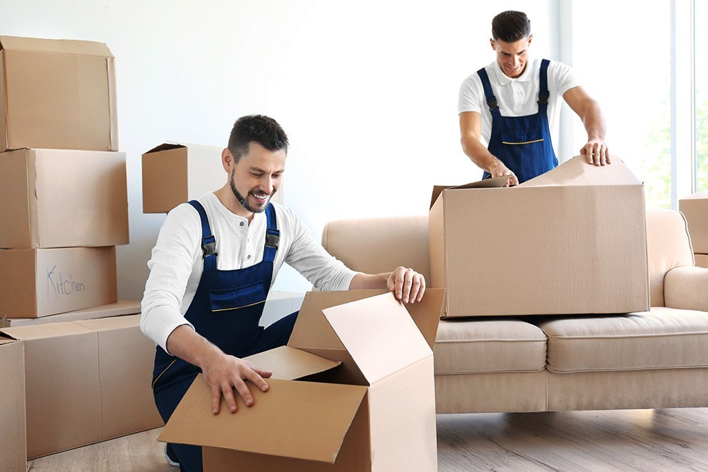 Best tricks to help you move during peak seasons